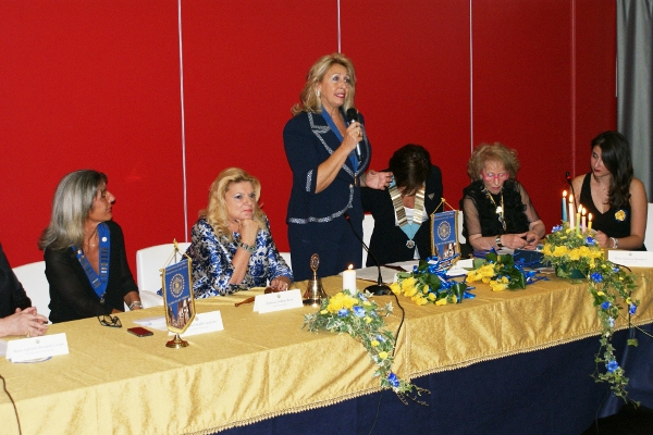 IWC Cava de' Tirreni President, Leonarda Scrocco, addressing her speech